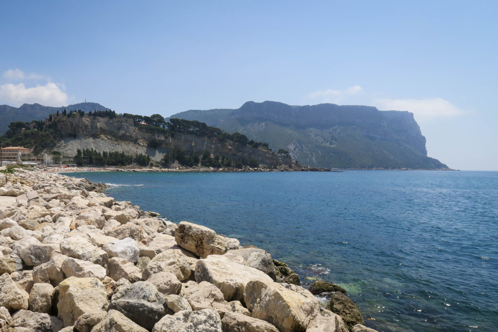 Cassis Beach & Château, South of France. Travel Diary by Rosie André (beach, bucketlist, destination, photography, Europe, journal, countryside, landscape, boats, harbour, harbor, port)