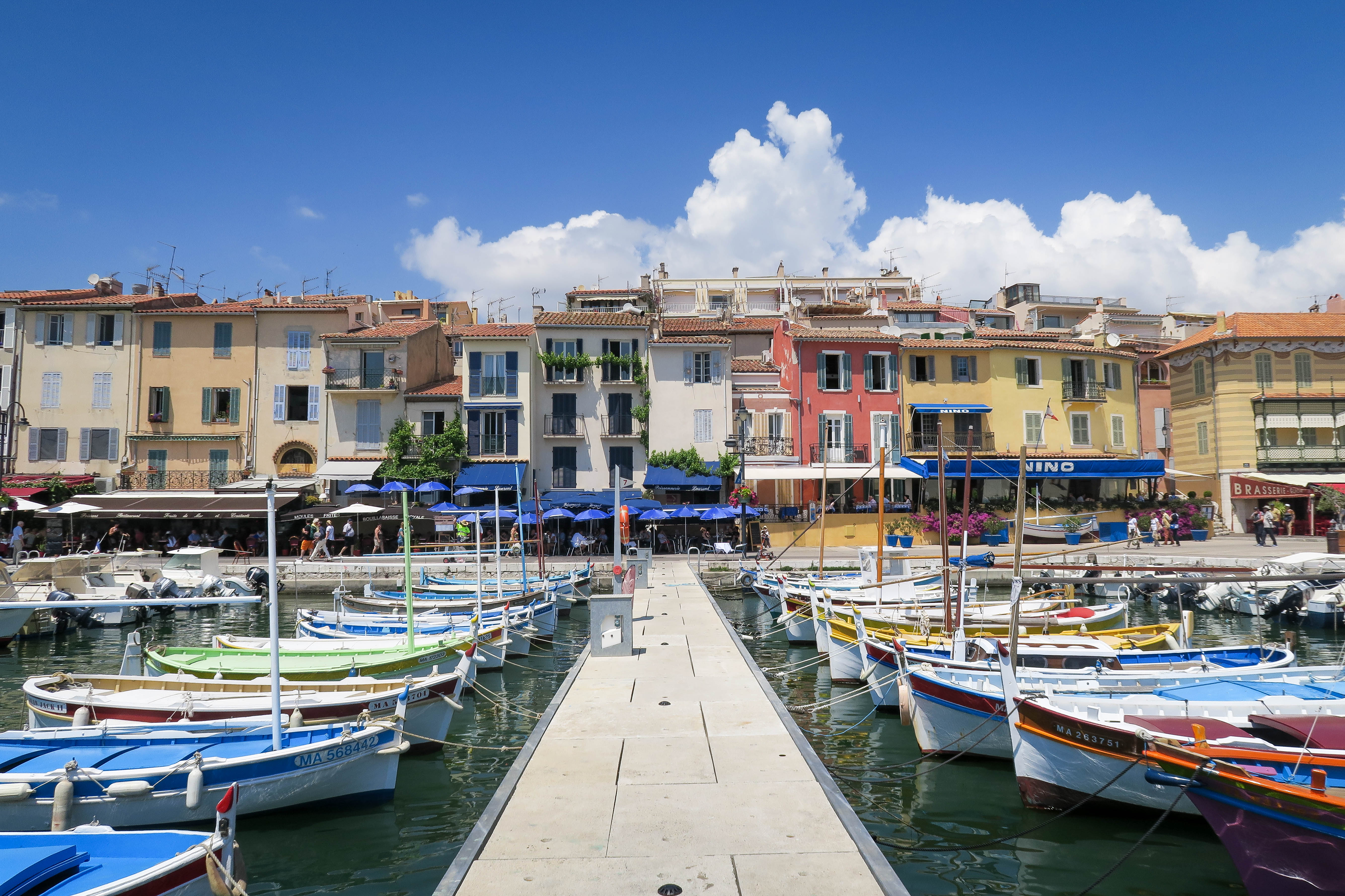5 reasons to Visit Cassis, South of France. Travel Diary by Rosie Andre (beach, village, town, bucketlist, destination, photography, Europe, journal, countryside, landscape, boats, harbour, harbor, port)