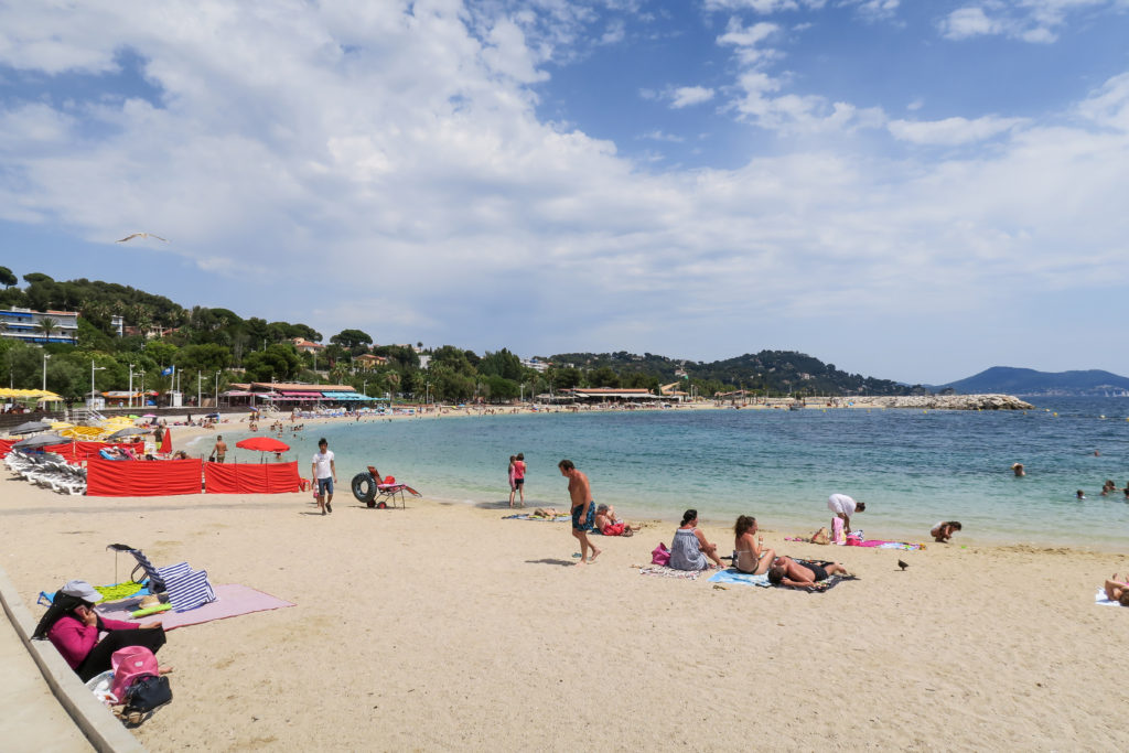 Toulon Beach, South of France. Travel Diary by Rosie Andre. (plage, summer, sand, provence, var, cote d'azur, photographs, pictures, tourism, visit, tourist, day trip, holiday, vacation)
