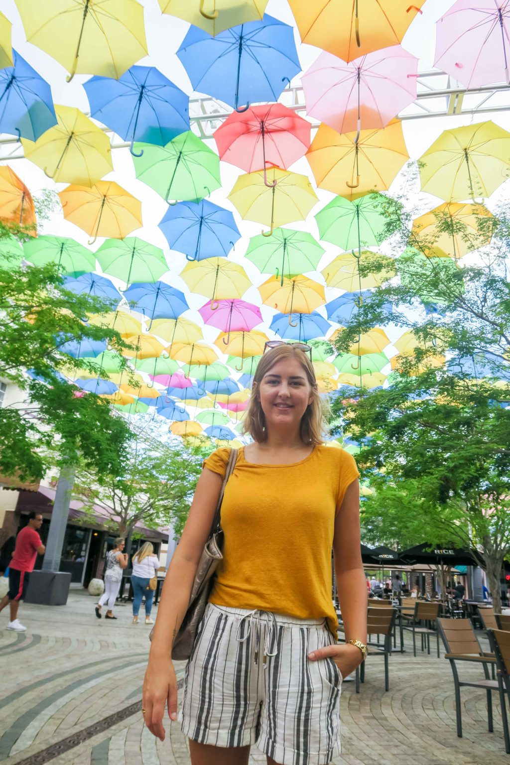 Rosie Andre. Travel Blog. Umbrella Sky, Coral Gables. USA. (Miami, Florida, wanderlust, travel, explore, globe, world, earth, Giralda Plaza)